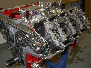 Timing belt vs timing chain: what's the diff? Image from Wikimedia Commons